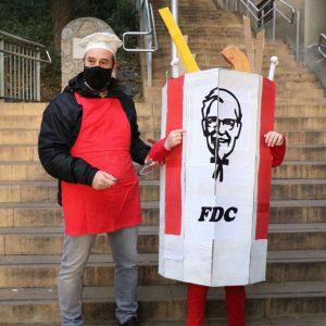 1er PREMI : Caixa de KFC modificada a FDC